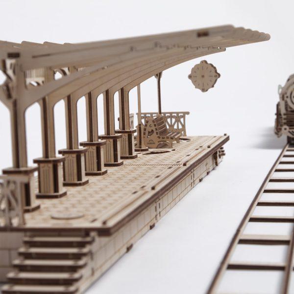 Ugears-Peron-de-tren-13-600×600